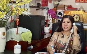 梁柳嬋正在工作。