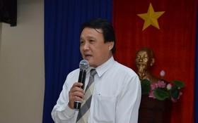 市旅居海外越南人委員會主任馮功勇在會議上發言。(圖源:青松)