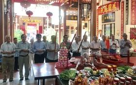 海南會館理監事祭祀儀式。