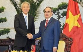 市委書記阮善仁接見新加坡副總理兼國安部長張志賢。(圖源:市黨部新聞網)
