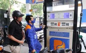 汽油售價再漲逾千元。(示意圖源:互聯網)