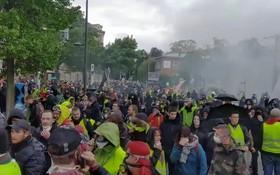 法國東部斯特拉斯堡黃背心街頭抗議。(圖源:路透社)