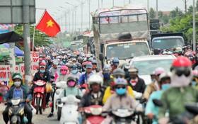 1號國道交通嚴重堵塞。(圖源:茂長)