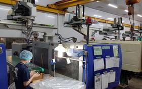 TBM明發塑料公司自動化生產線。
