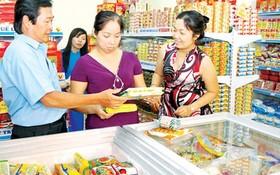 本市消費者正在選購優質國貨。