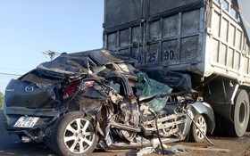 事故現場,轎車嚴重損毀。(圖源:陳化)