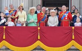 當地時間8日是英國女王伊麗莎白二世的官方壽辰,當天,英國舉行閱兵慶典。(圖源:AFP)