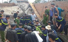 建築工程施工意外,手腳架突然倒塌,導致1人當場死亡、另1人重傷。(圖源:黃公東)