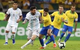 巴西-阿根廷兩隊在比賽中拼搶。(圖源:互聯網)
