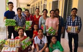 慈善團在美萩精神病中心合照。