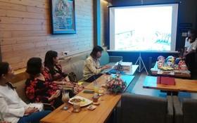 第十一郡婦聯會成員在座談會上分享創業經驗。(圖源:第十一郡婦聯會)