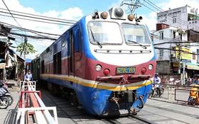 不少意見認為高鐵上列車時速200公里是合適。