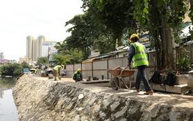 經近4年施工後,第一建築總公司於昨(30)日已進行杭龐涌項目第一階段(第五郡涌段)的最後工程施工,包括鋪設人行道和安裝欄桿。(圖源:月兒)