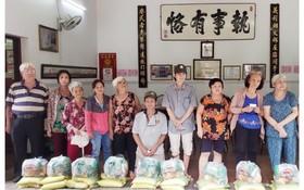 義安會館贈送 3000 份盂蘭節禮物