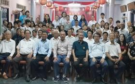 慶和省寧和華文補習班開課