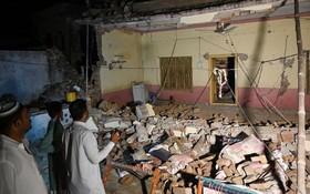 由於震源深度較淺,周邊地區都震感強烈,建築物和公共設施受損嚴重。(圖源:互聯網)