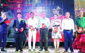 各華人企業家、華人會館、華文中心代表、親朋戚友應邀出席祝賀。