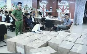 警方扣留涉案證件數十箱並凍結涉案銀行帳戶16個。(圖源:天怡)
