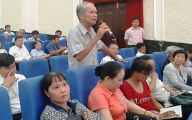 第二郡選民向國會代表提出質詢。