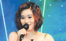 華青女歌手侯惠儀。