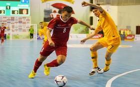 越南隊(紅衣)2比0勝澳大利亞隊。(圖源:互聯網)