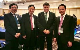 越南駐世界氣象組織常務代表陳鴻泰(右一)獲選為亞洲第二區域氣象協會(RA II)副主席。