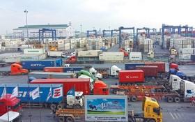 桔萊港口內大量貨物積壓。(圖源:互聯網)