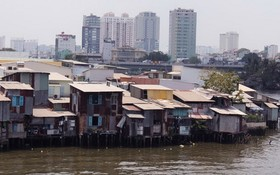 許多缺乏意識的民眾把垃圾丟進河涌是導致水源受污染的原因之一。