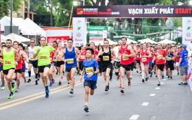 2019年胡志明市國際馬拉松賽出發時的氣氛充滿活力。(圖源:Đ. Hà)