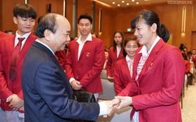 阮春福總理會見東運會代表團。(圖源:互聯網)