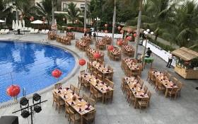 圖為 Diamond Bay Condotel & Resort度假區的露台餐廳