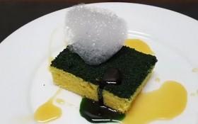 """""""另類""""特色甜品的洗碗海綿。(圖源:互聯網)"""