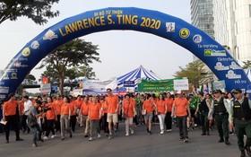 眾多熱心人士參加丁善理慈善徒步活動。