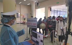 經芒街國際口岸入境者全須進行14日隔離規程以觀察體康情況。(圖源:呂義孝)