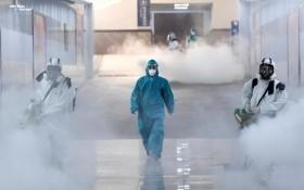 新冠肺炎疫情中武漢長沙的消毒工作。(圖源:路透社)