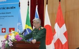 國防部副部長阮志詠上將代表越南軍隊在訓練開幕式上致詞。(圖源:盛南)