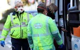 意大利倫巴第地區新冠疫情嚴重, 圖片攝於被封城的Lodi省Casalpusterlengo鎮附近。(圖源:路透社)