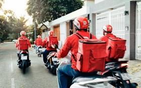 圖為 GoViet 外賣隊伍在送餐路上。(圖源:秋莊)