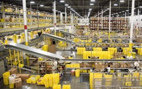亞馬遜公司物流中心。(圖源:互聯網)
