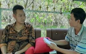 """""""善""""彩票代理商阮清心(左)接受記者採訪。(圖源:志幸)"""