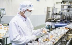 Vinamilk公司所屬統一奶品廠的出口煉奶生產線。