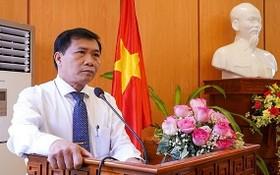 新任會安市人委會主席阮文山出席就職儀式並致詞。(圖源:南盛)
