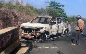全被燒毀只剩框架的皮卡車,車內卻有一具被燒焦變形的屍體。(圖源:黃平)