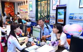 旅遊公司向客戶介紹新旅程。