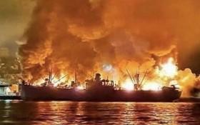 美國加利福尼亞州三藩市知名觀光景點漁人碼頭燃起熊熊大火,黑煙滾滾。(圖源:互聯網)