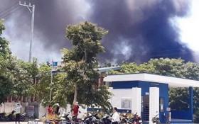火警現場濃煙滾滾直衝天際。(圖源:互聯網)