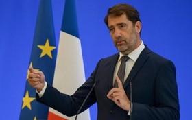 法國內政部長卡斯塔內。(圖源:互聯網)
