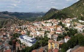 意大利卡拉布里亞區南部小城欽奎弗龍迪。(圖源:互聯網)
