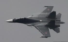 俄羅斯出動蘇-30戰機攔截。(圖源:互聯網)