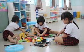 許多私立幼兒園今年不放暑假。